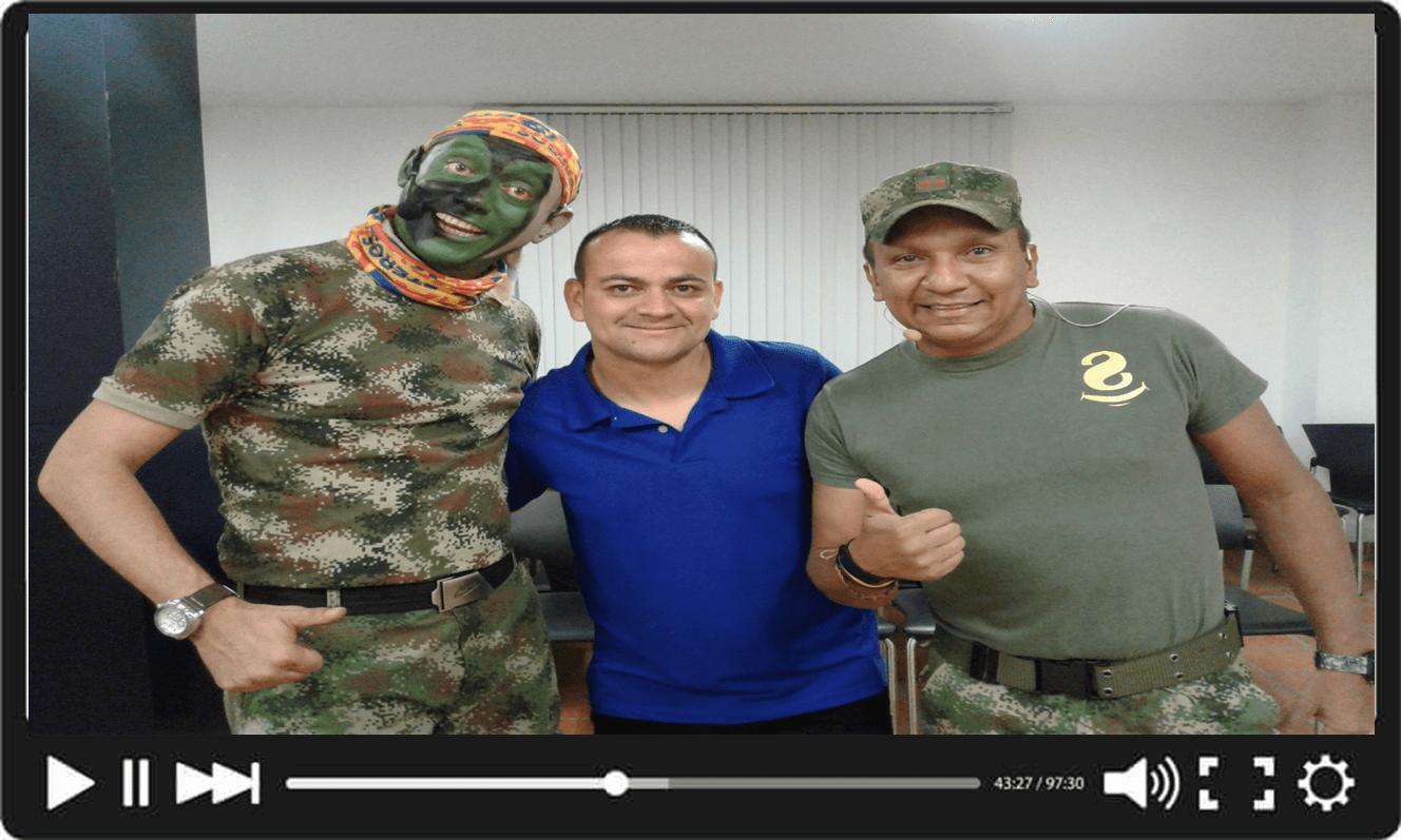 los siameses soldados de sabados felices